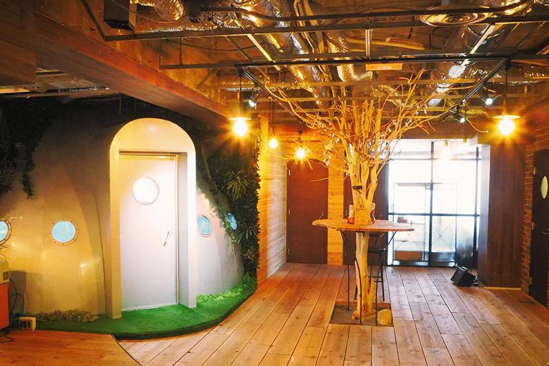 取引先IT企業のオフィス緑化や宇宙船の部署づくりと独創的なデザインを実現