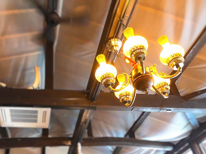 イロタス建築工房のオフィスの照明