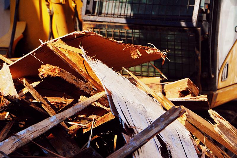 台風21号による被害で崩壊した家