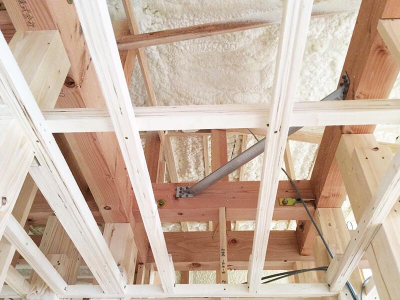 天井の断熱材1