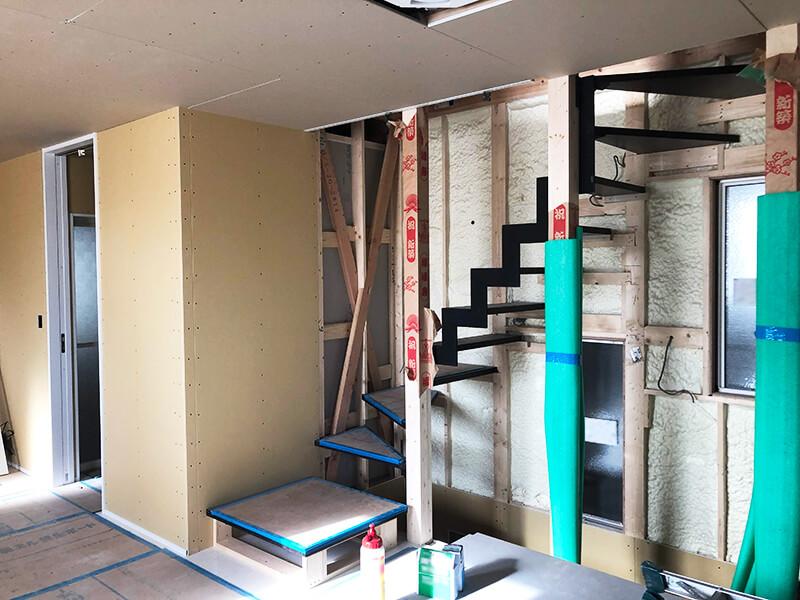 階段部分の内装1