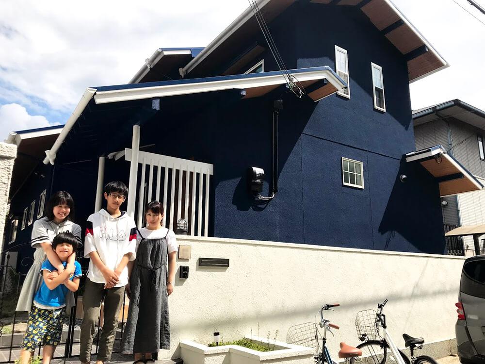 大阪府堺市のリノベーションをされたご家族写真